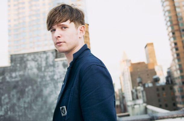 4887ba8a22 O produtor e cantor britânico já se prepara para lançar o sucessor de  Overgrown